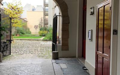 Rénovation d'un hall cocher d'immeuble classé monument historique dans le 4e arrondissement de Paris