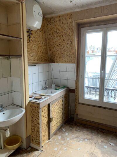 avant - cuisine - Travaux de rénovation d'une studette - Paris-75004