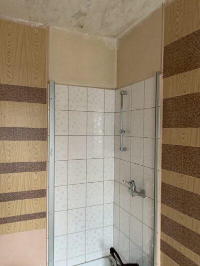 avant - douche - Travaux de rénovation d'une studette - Paris-75004