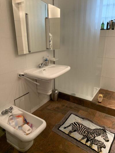 Avant - Travaux de rénovation salle de bain - Paris-75016